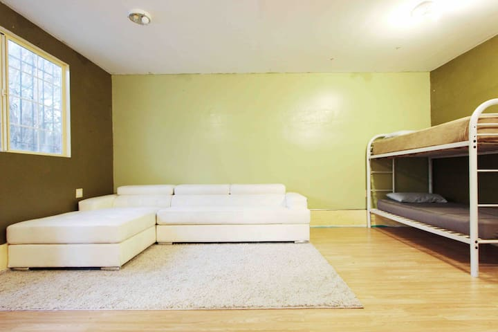 Value Monthly Stay by USC Campus/ Metro ExpoLine
