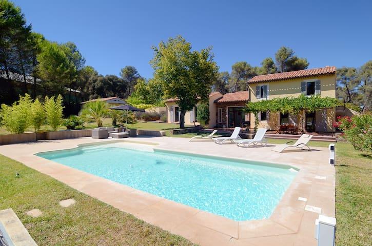 Villa pour 6 avec piscine