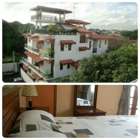 CLOVES ROOM - Colombo