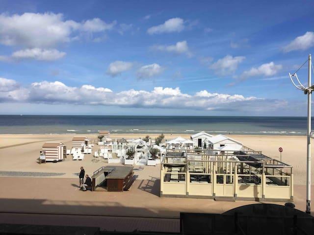 Super appartement op zeedijk met prachtig zicht.