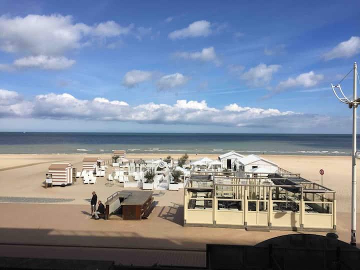 Super appartement op zeedijk met prachtig zicht..