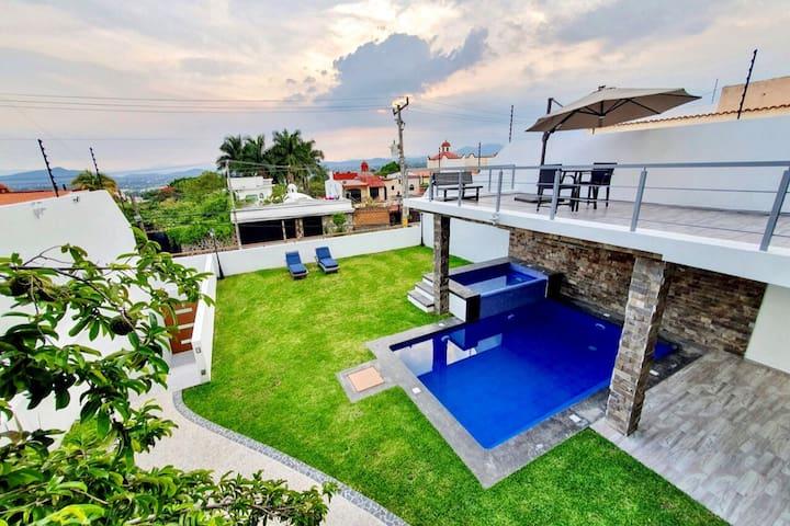 Casa Nueva Lujosa!! 4 suites Aire acondicionado.