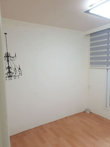 샹들리에 방