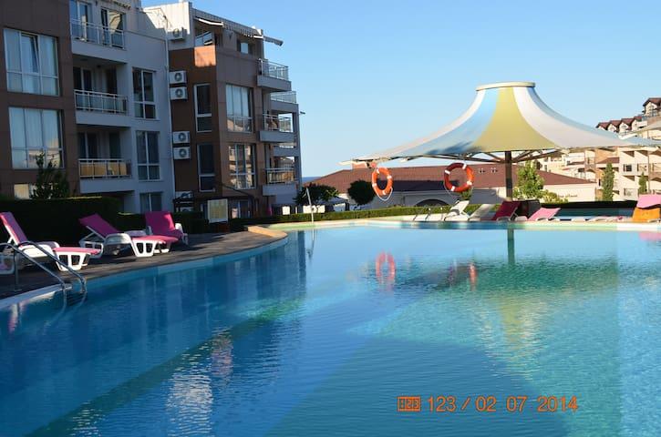 Квартира с видом на море в Болгарии - Chernomorets - Appartement