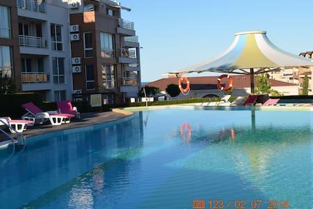 Квартира с видом на море в Болгарии - Apartment