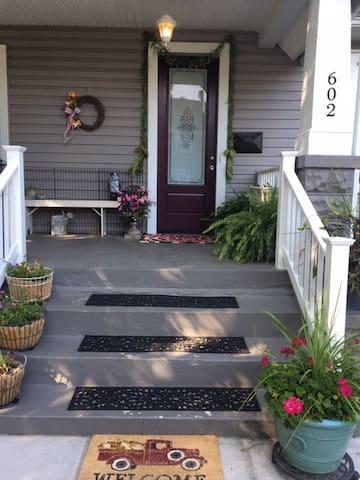 Steps leading to front door.