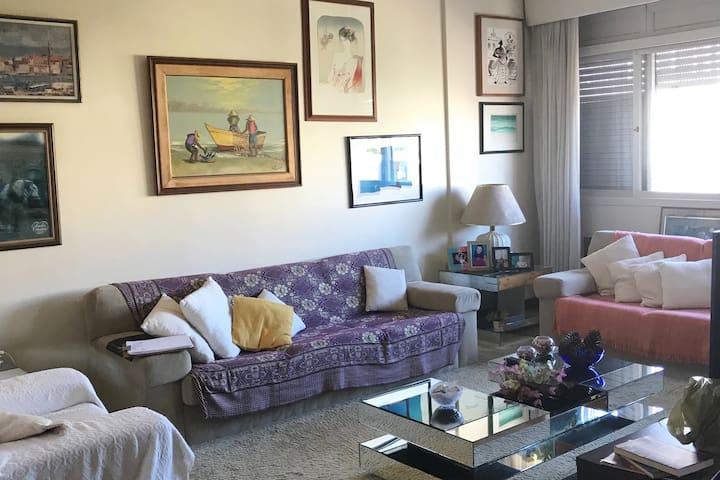 Apartamento espaçoso para até 4 pessoas