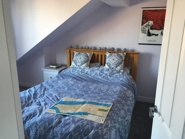 Double Room in large Edwardian style house - Meols - Rumah