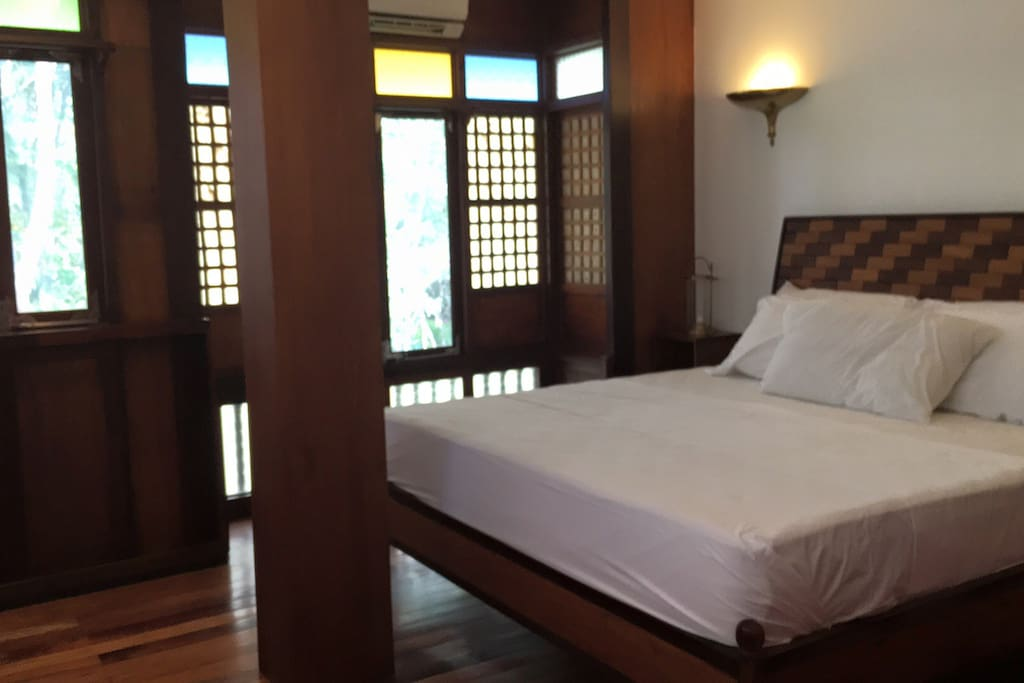 Casa Logoy Room with One King Size Bed and private bathroom