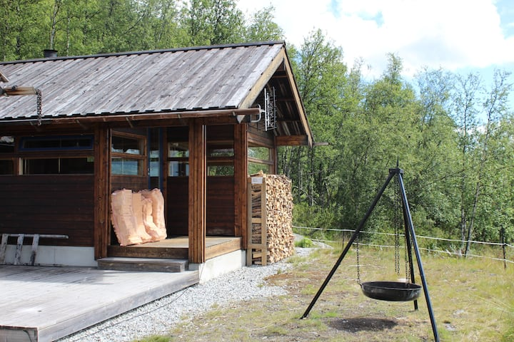 Svarthamar 1 mountain cabin with panoramic views