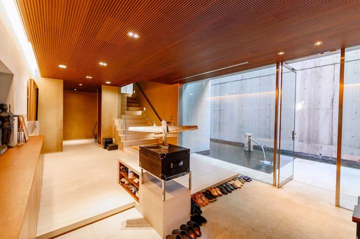 OPEN SALE 50% 港区500M² 別荘    無料駐車場一台