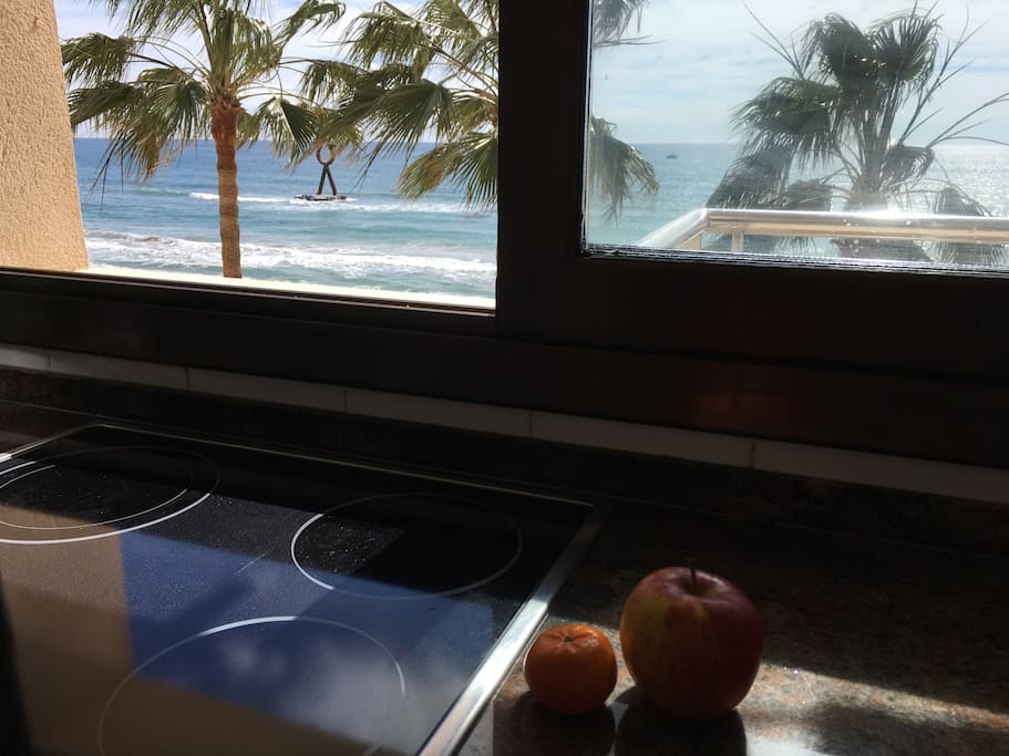 Kitchen with seaview !