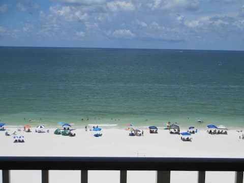 Beautiful Ocean Front Condo with Spectacular Views
