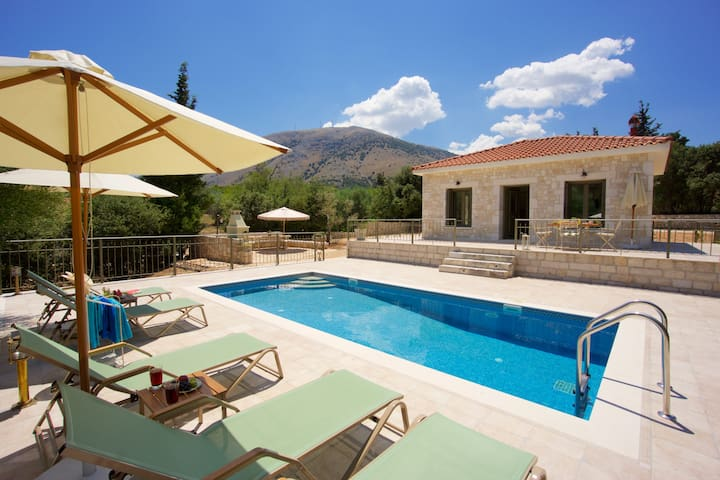 Forest Villas Kefalonia (Harry Villa)