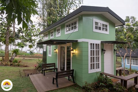 Tiny House at The Red Barn (Green)