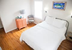 Clean%2C+centrally+located+2+bedroom+1+bath