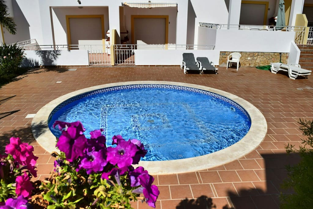 albufeira single parents Research has shown that single parents could be paying up to 32% more for holidays than two-parent families  albufeira jardim – partamentos turisticos • 3 star.