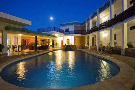 Hotel Mozonte en Managua - Managua - Bed & Breakfast
