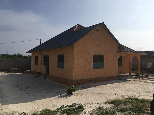White Hause Kiwengwa
