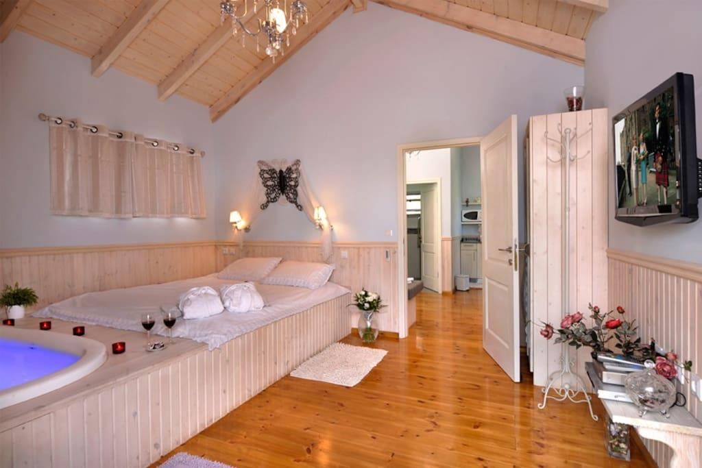 Bed room in tamar suite