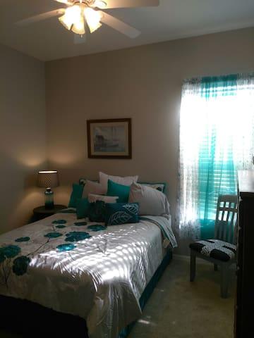 Queen Bedroom Pool Home