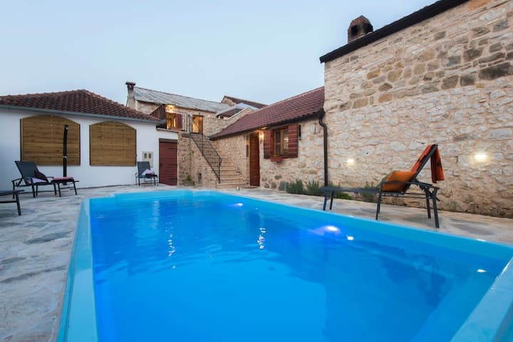 Cozy Holiday Home in Šopot with Private Pool