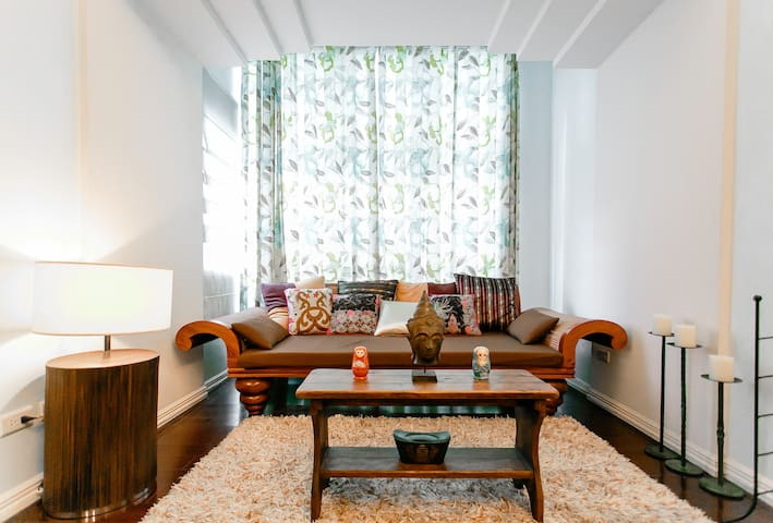 Awesome digs in MNL's most hip area - Taguig City - Appartement