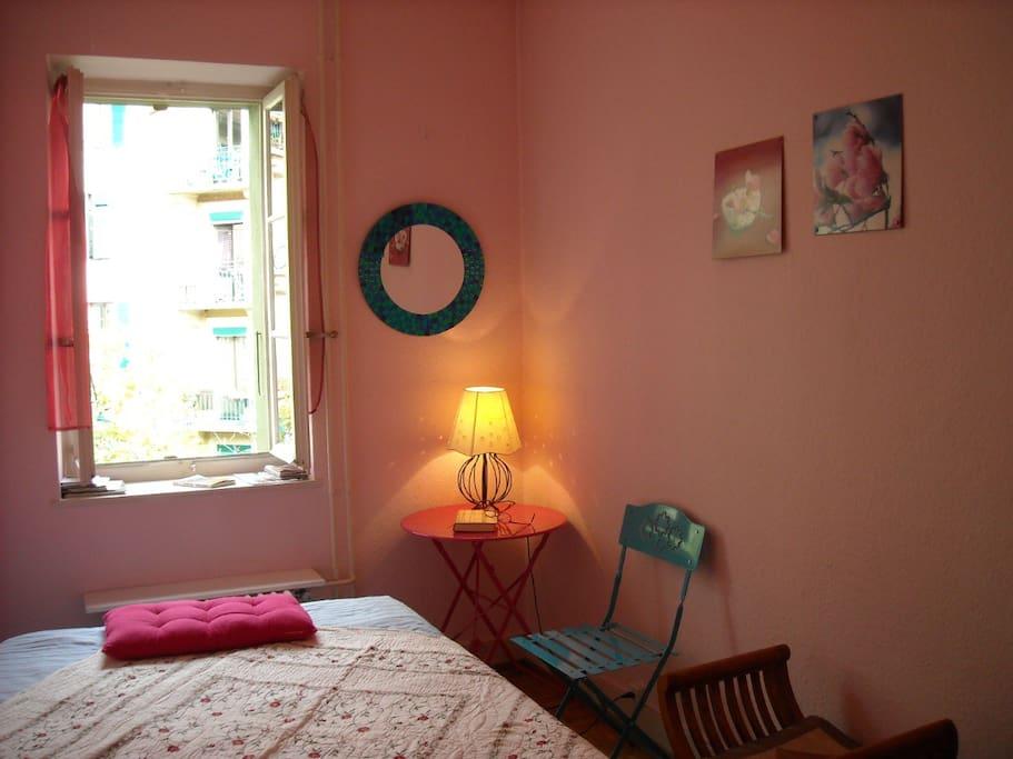 Une chambre au calme au coeur de Genève