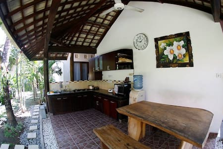Cheap and clean room in canggu