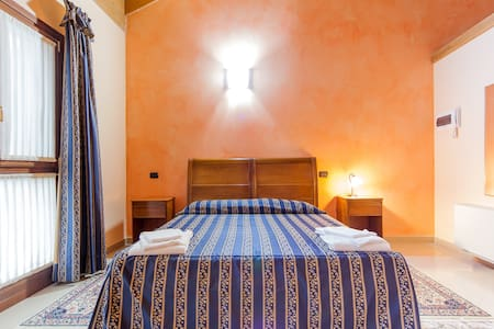 ThreeSwallows Rondini 30m to Verona - Legnago - Bed & Breakfast