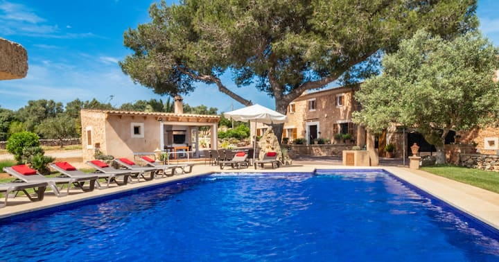 Finca ANGOIXES for 10 with pool in Santanyi