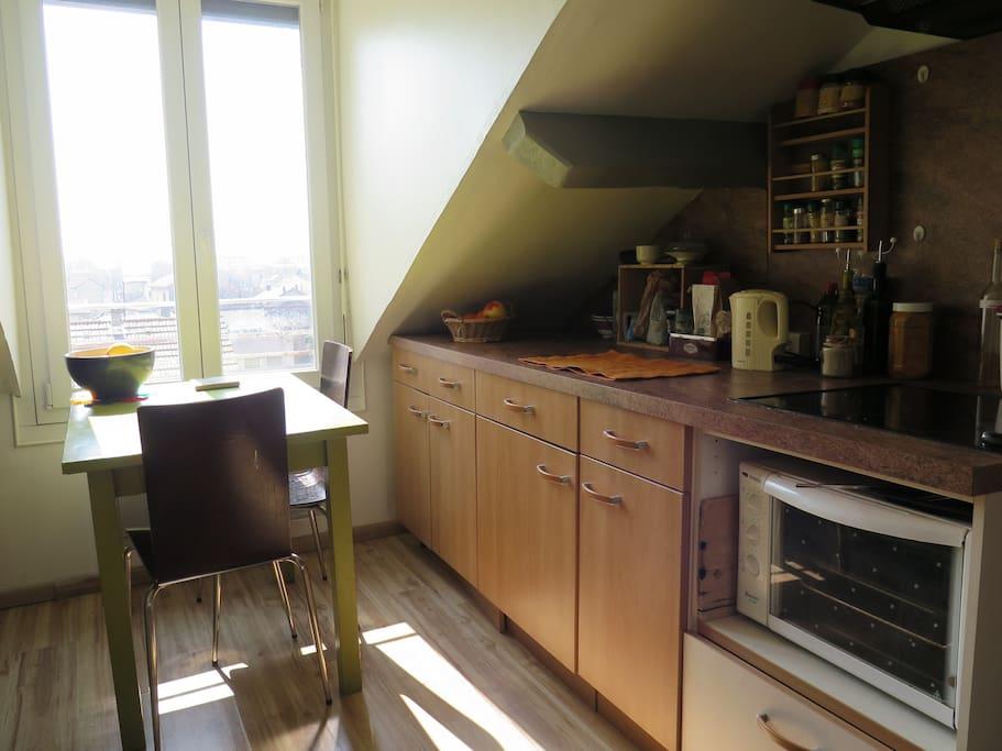 t2 calme et cosy proche tram 1 min de grenoble appartements louer fontaine rh ne alpes. Black Bedroom Furniture Sets. Home Design Ideas