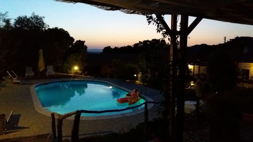 Les Lièges, maison de campagne avec piscine!
