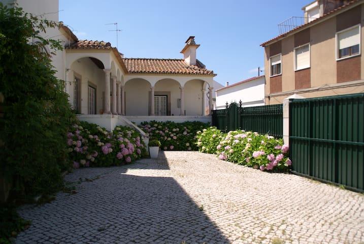 Casa da Lourinhã - Lourinhã - Haus