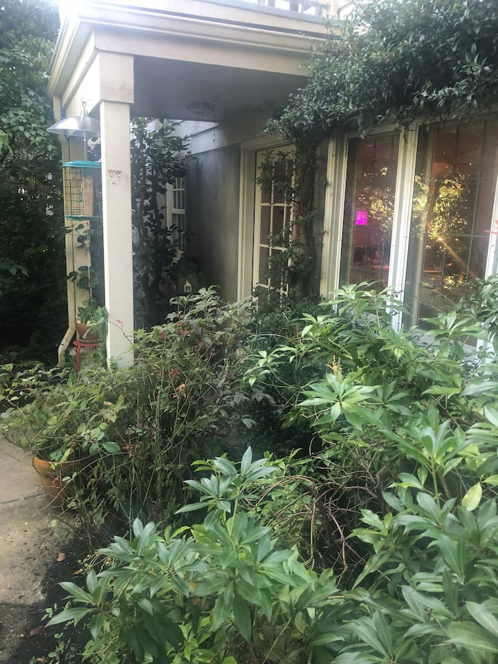 Large Garden Apartment in Southwest Portland