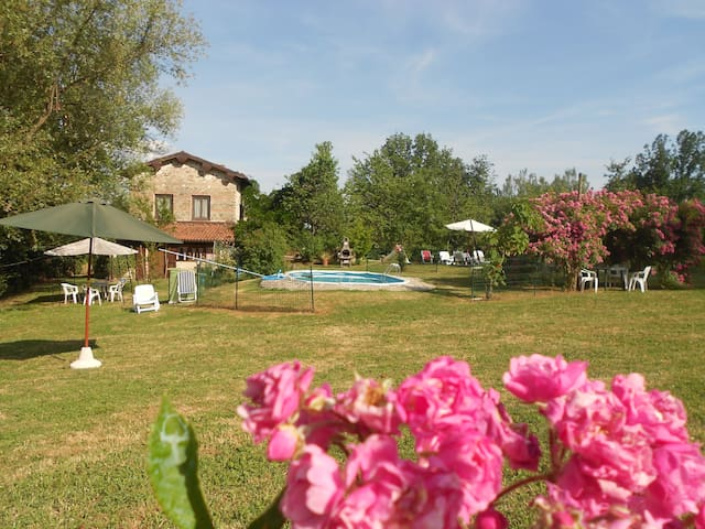 Villa in Toscana per 10/12 pool - Gallicano - Villa