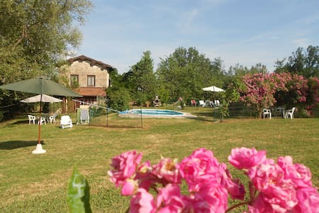 Villa in Toscana per 10/12 pool - Gallicano