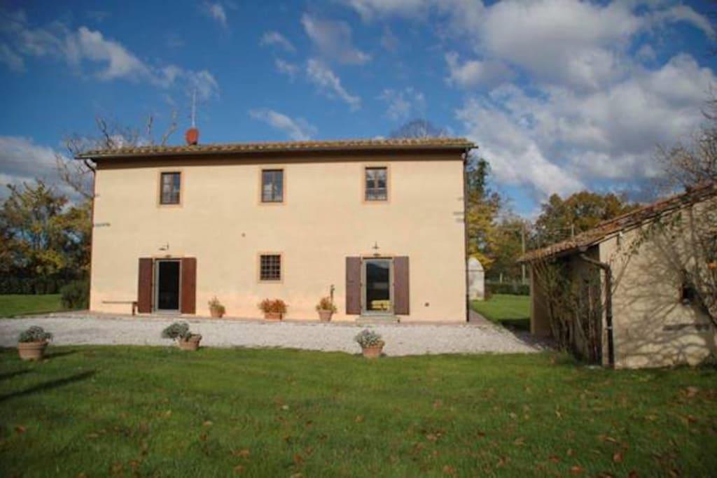 Casa piscina vicino a firenze villas for rent in borgo san lorenzo tuscany italy - Piscina borgo san lorenzo ...