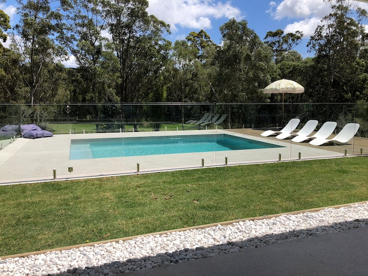 Modern Family Home on Acreage Close to Noosa