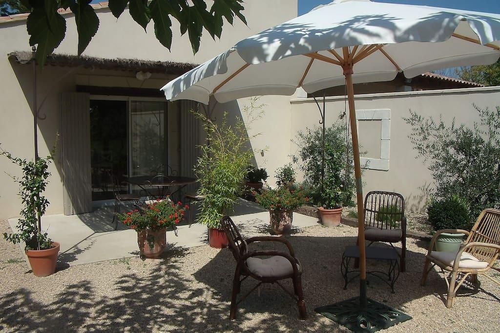 Gite a eygalieres en provence avec piscine appartements for Gite provence piscine