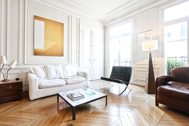 Parquet-moulures-cheminée - Paris - Flat