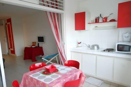 Studio Vue sur Mer - Apartamento