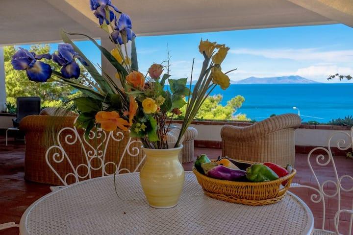 Villa Fortunato by the sea with private small pool