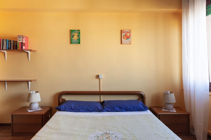 Double room in 90sm apartment