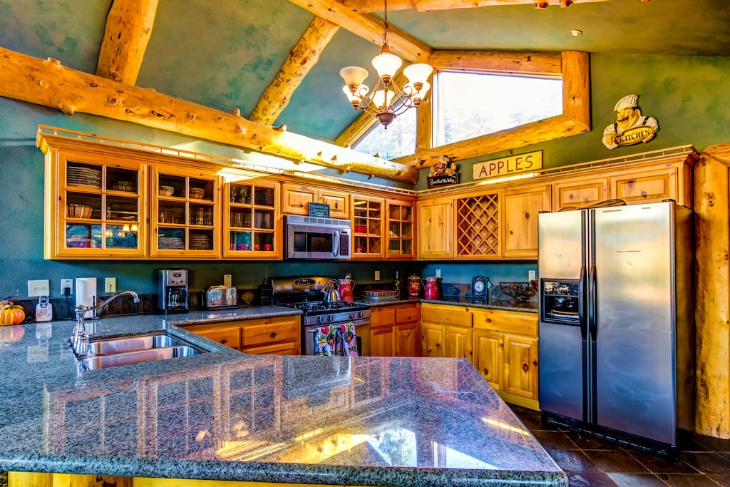 Great kitchen with all necessities
