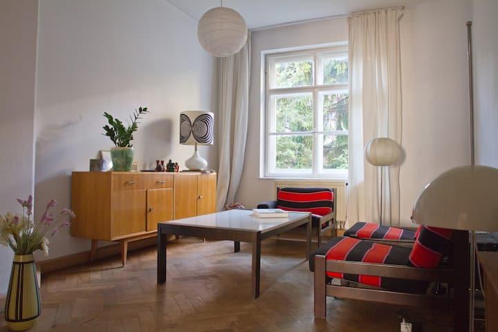 2-Zimmer-Wohnung München, hell, Altbau