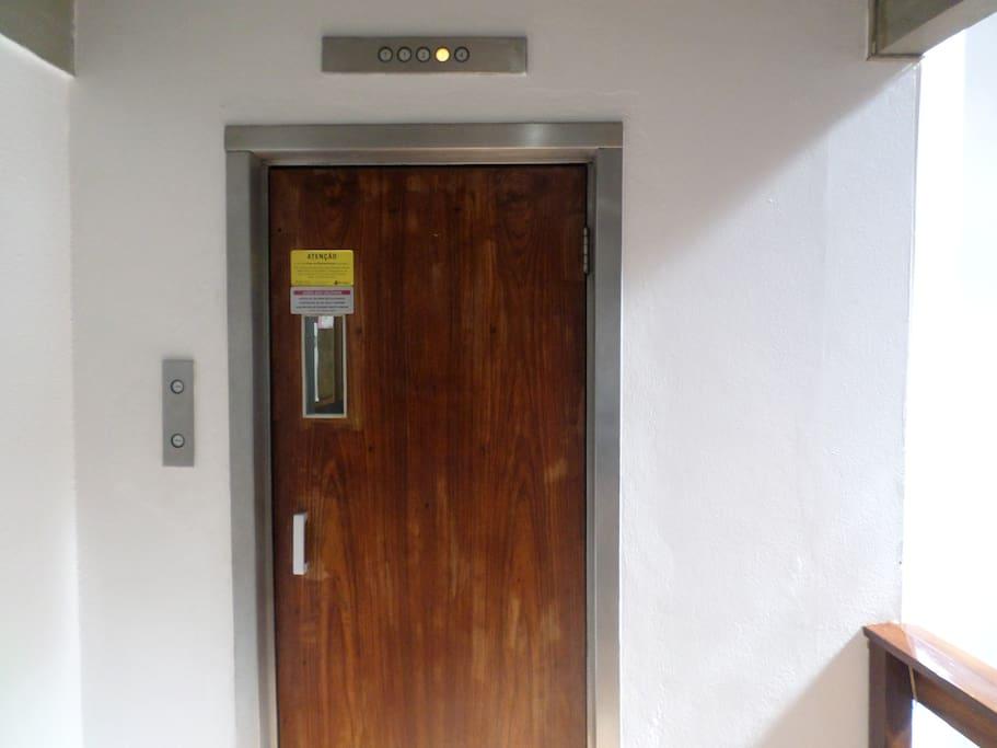 02A-elevador de acessso