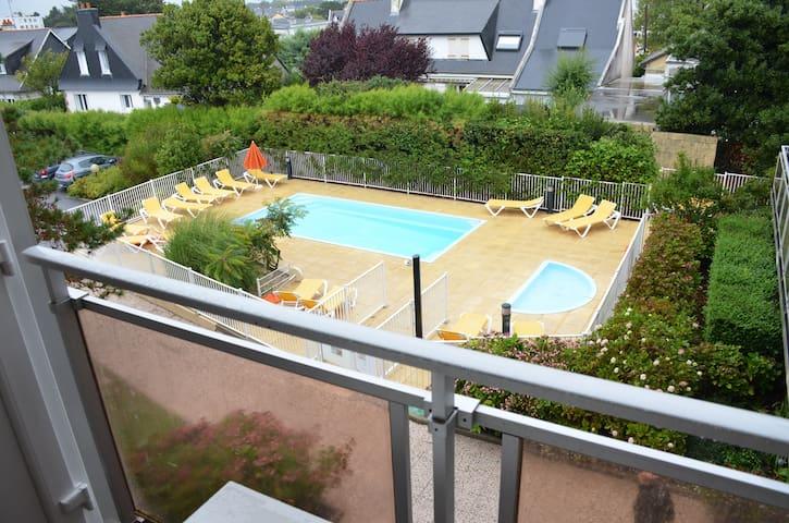 (109) Studio avec piscine + parking, proche plage - Quiberon - Byt