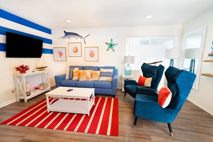 REMODELED Ocean Cottage Just Steps to the Beach