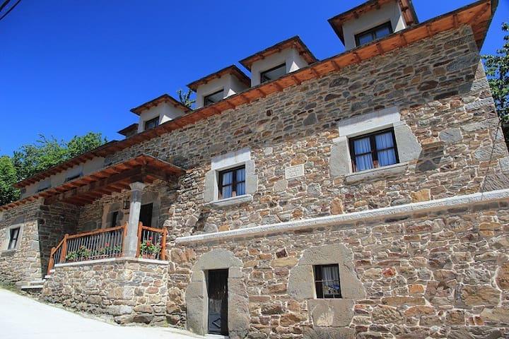 Casa Baz - Robles de Laciana - Rumah